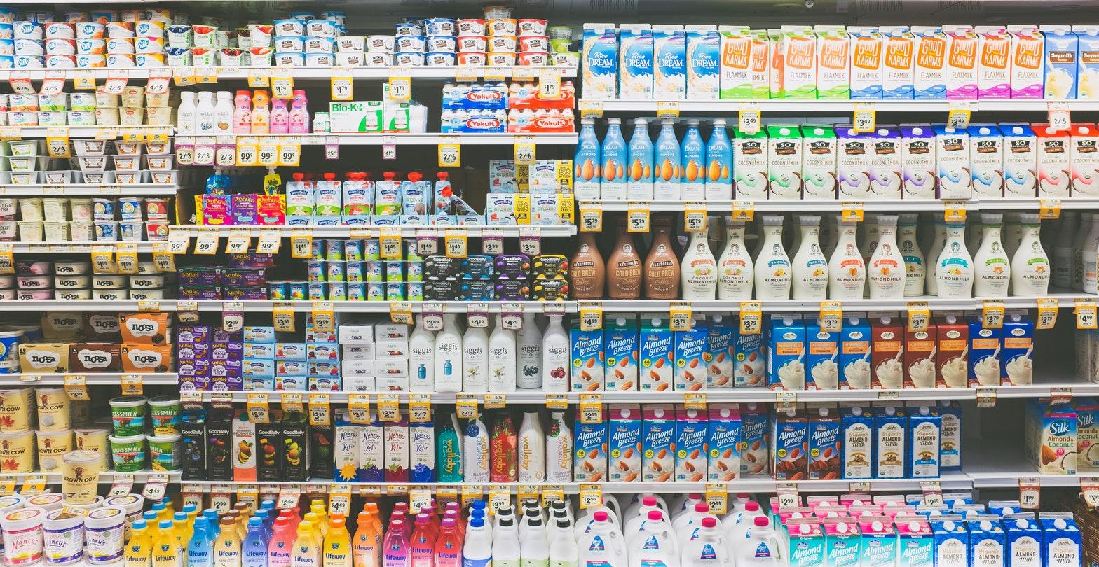 a boltban)