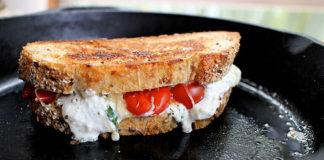Sult paradicsomos-mozzarellss szendvics - Mamorito lasagne stilusu szendvics